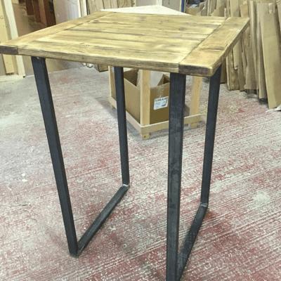 Bar table/poseur table