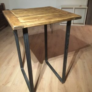 Bar table/poseur table