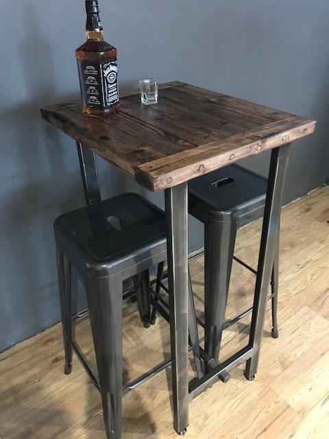 Bar/Bistro/Cafe Table and Stools